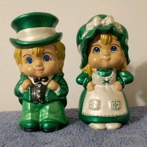 Vintage Iris Ceramic Husband and Wife